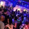 crowded-dance-floor_slide
